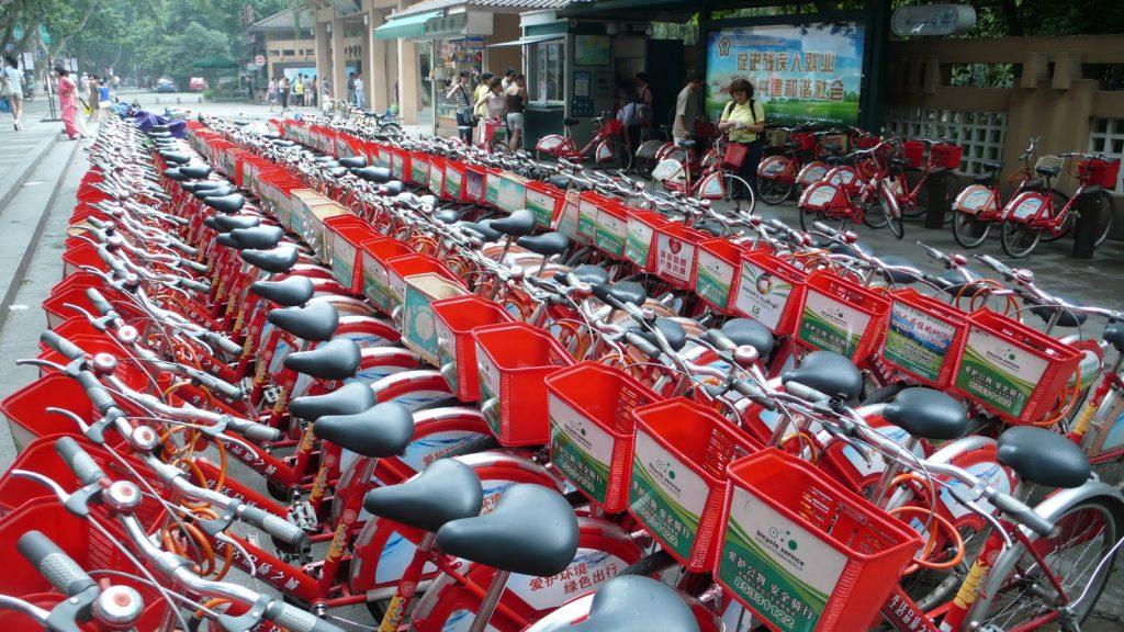 Hangzhou's vast bike share scheme in action.